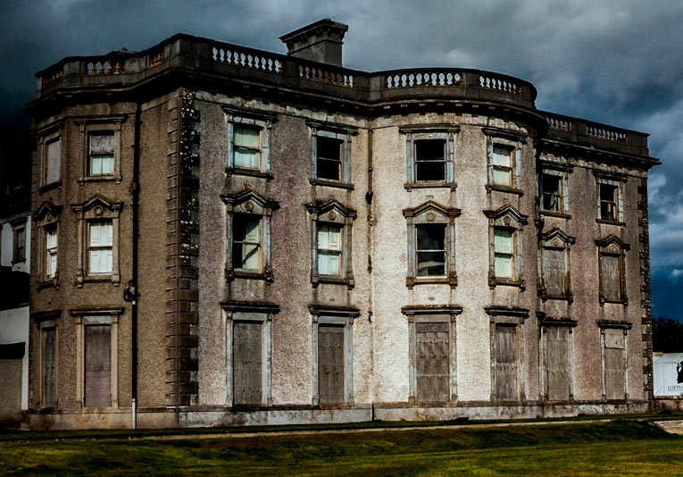 Casa embrujada en venta